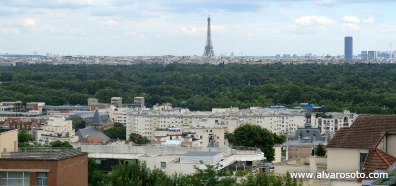París, separado de Suresnes por el Bois de Boulogne
